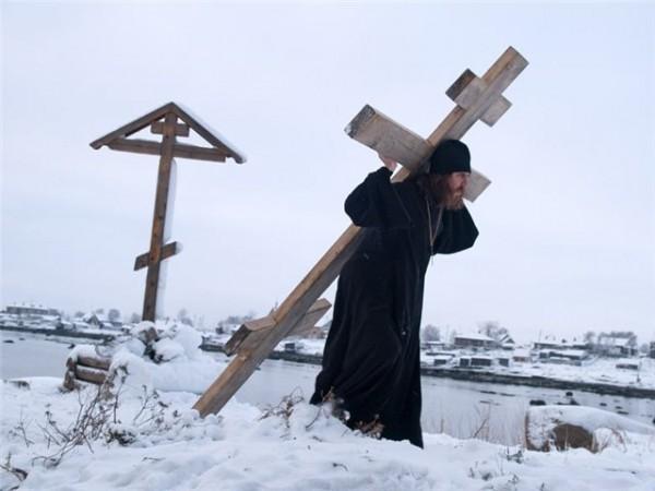 """Что значит """"нести свой крест"""" и обязательно ли страдать?"""