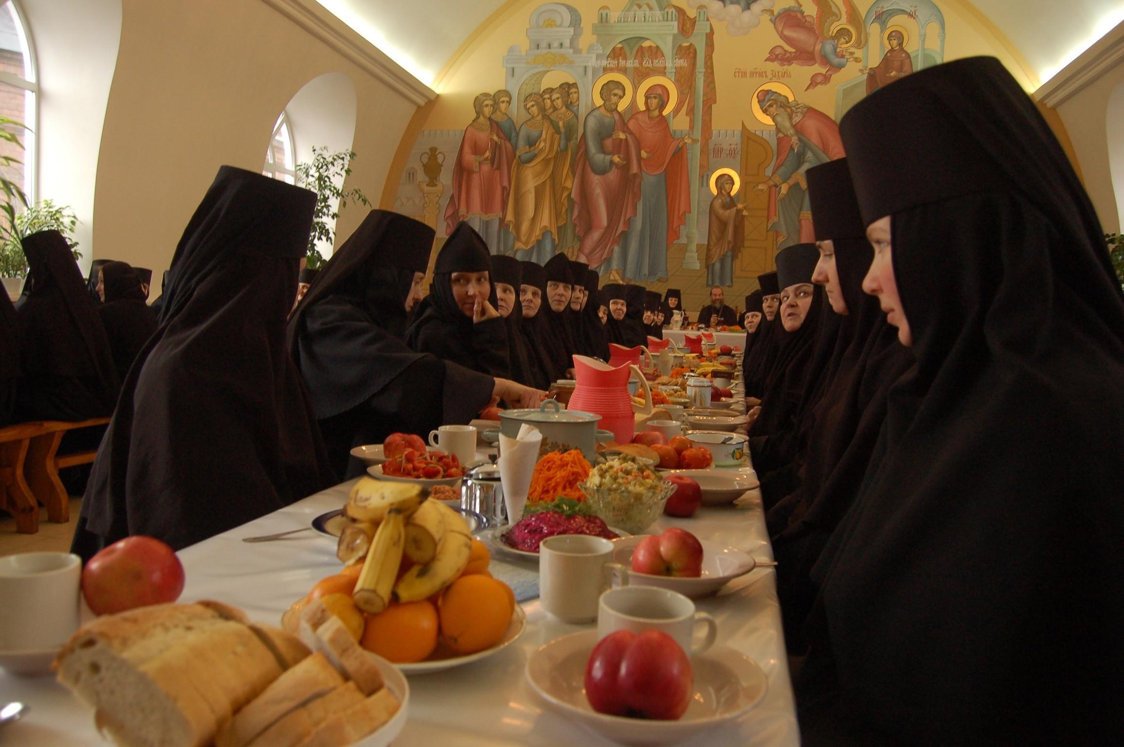 Картинки в монастыре