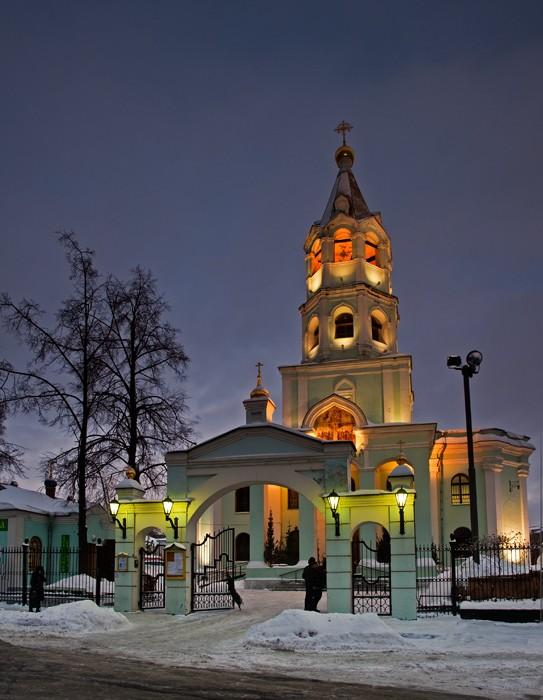http://www.pravmir.ru/wp-content/uploads/2012/03/hram-4aplina.jpg