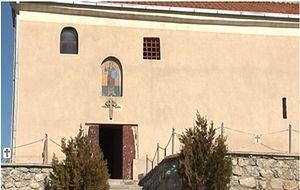 В Косовском Поморавье ограбили и осквернили церковь