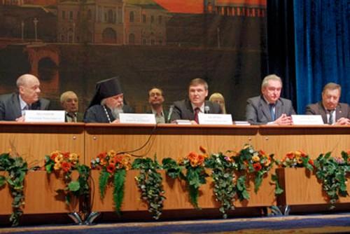 Реабилитационным центрам для заключенных необходима поддержка государства, считают участники дискуссии в Смоленске