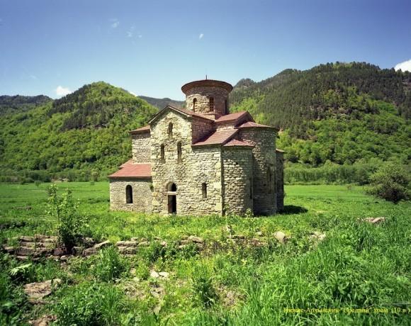 Нижне-Архызский «Средний» храм. 10 в.