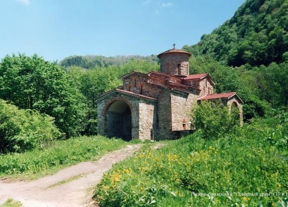 Нижне-Архызский «Северный» храм. 10 в.