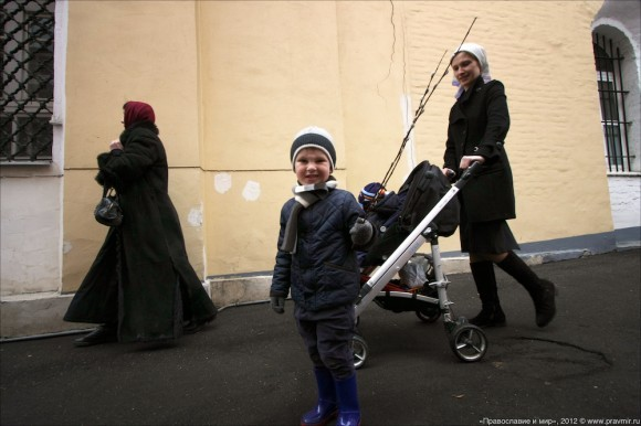 Детский крестый ход в день входа Господня в Иерусалим. Фото Михаила Моисеева (10)