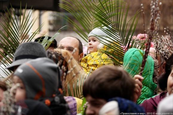 Детский крестый ход в день входа Господня в Иерусалим. Фото Михаила Моисеева (7)