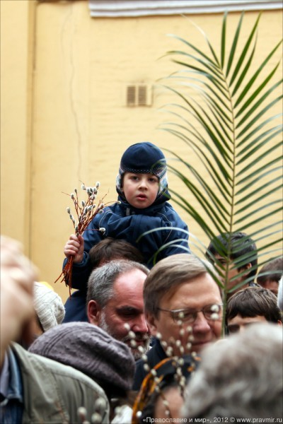 Детский крестый ход в день входа Господня в Иерусалим. Фото Михаила Моисеева (6)