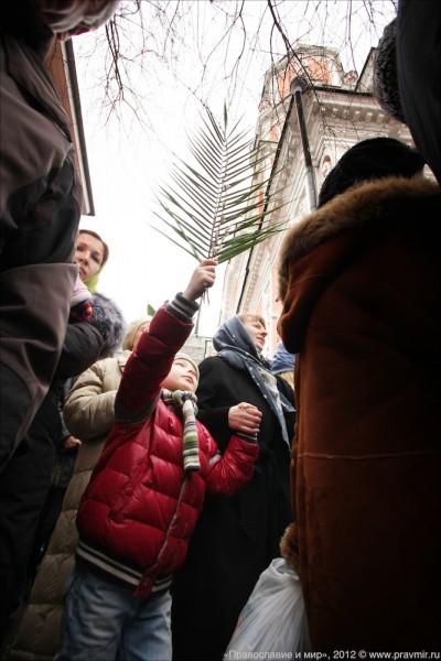 Детский крестый ход в день входа Господня в Иерусалим. Фото Михаила Моисеева (17)