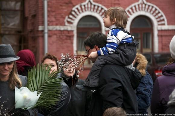 Детский крестый ход в день входа Господня в Иерусалим. Фото Михаила Моисеева (15)