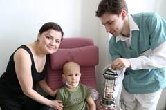 Благодатный огонь для больных детей (+Фото)