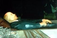 Захоронение тела Ленина: отдать коммунистам их святыню? + ФОТО