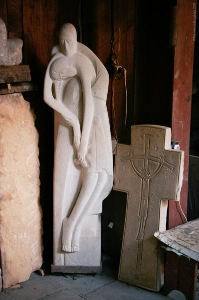 С. Антонов. Снятие с креста (скульптура)