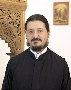 Священник Лев Ефремидис