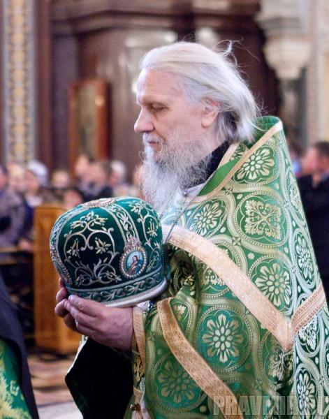 Вербное воскресенье. Изнесение части хитона и Гвоздя от Креста (73)