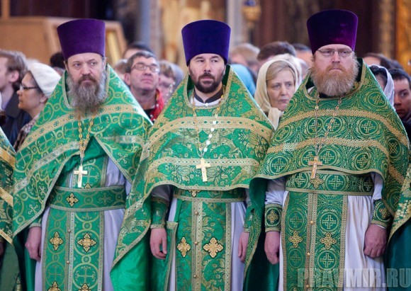 Вербное воскресенье. Изнесение части хитона и Гвоздя от Креста (68)