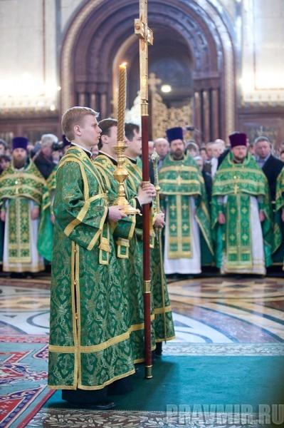 Вербное воскресенье. Изнесение части хитона и Гвоздя от Креста (66)