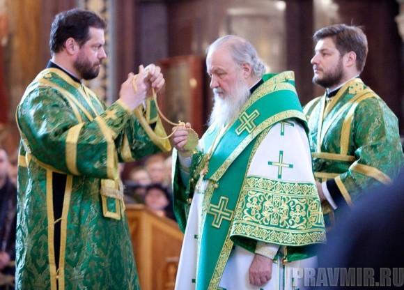 Вербное воскресенье. Изнесение части хитона и Гвоздя от Креста (65)