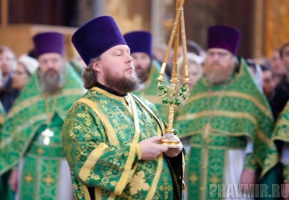 Вербное воскресенье. Изнесение части хитона и Гвоздя от Креста (64)