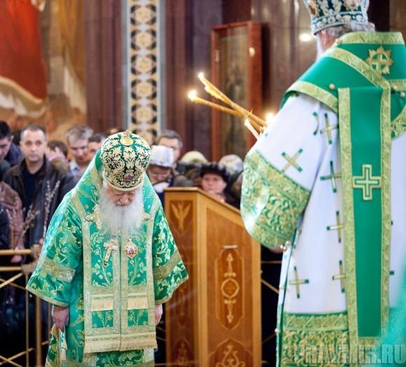 Вербное воскресенье. Изнесение части хитона и Гвоздя от Креста (62)