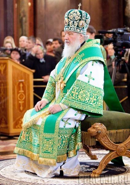 Вербное воскресенье. Изнесение части хитона и Гвоздя от Креста (61)