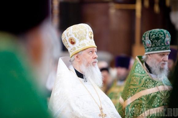 Вербное воскресенье. Изнесение части хитона и Гвоздя от Креста (57)