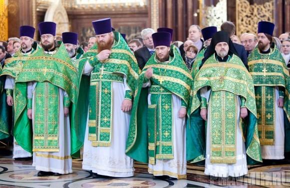Вербное воскресенье. Изнесение части хитона и Гвоздя от Креста (46)