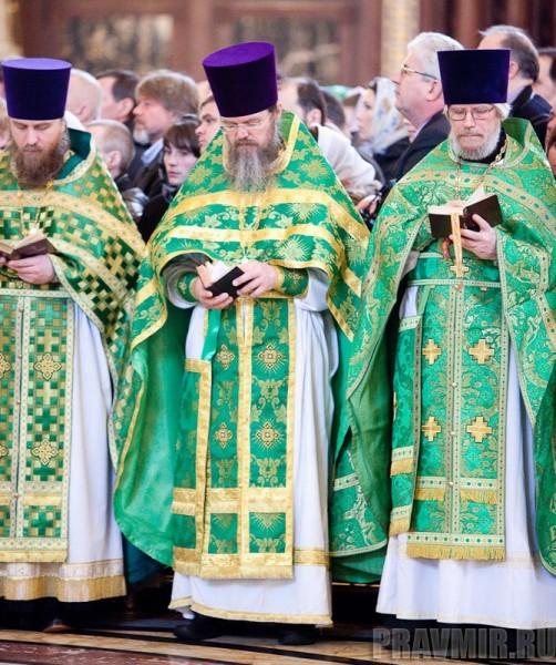 Вербное воскресенье. Изнесение части хитона и Гвоздя от Креста (36)