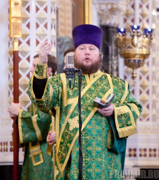 Вербное воскресенье. Изнесение части хитона и Гвоздя от Креста (34)