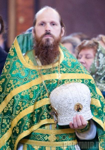Вербное воскресенье. Изнесение части хитона и Гвоздя от Креста (24)
