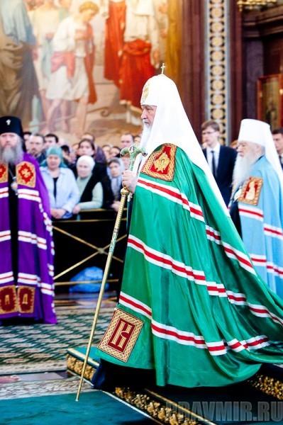 Вербное воскресенье. Изнесение части хитона и Гвоздя от Креста (20)