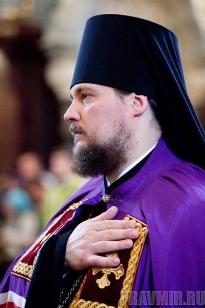 Вербное воскресенье. Изнесение части хитона и Гвоздя от Креста (14)