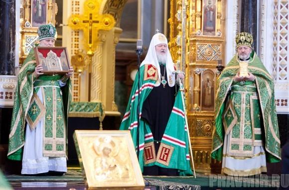 Вербное воскресенье. Изнесение части хитона и Гвоздя от Креста (13)