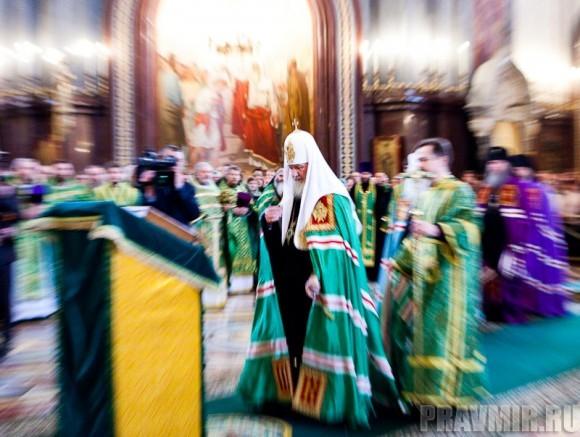 Вербное воскресенье. Изнесение части хитона и Гвоздя от Креста (10)