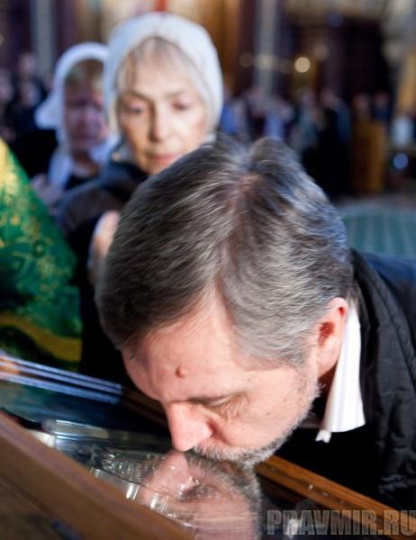 Вербное воскресенье. Изнесение части хитона и Гвоздя от Креста (4)