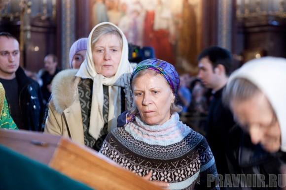 Вербное воскресенье. Изнесение части хитона и Гвоздя от Креста (3)