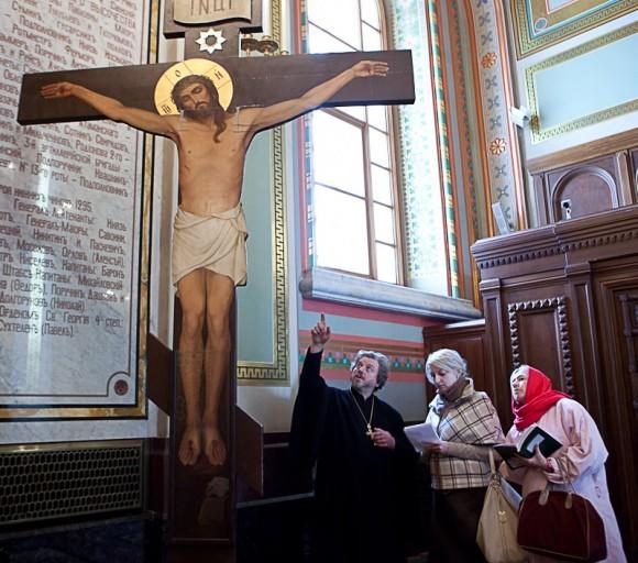 Оскверненный крест в Невинномысске