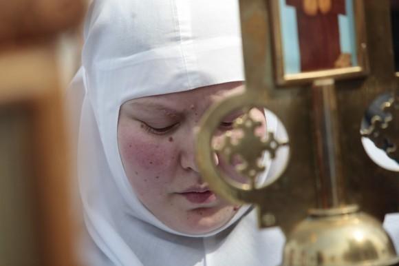 молебное пение в защиту веры, поруганных святынь, Церкви и ее доброго имени перед Храмом Христа Спасителя (27)