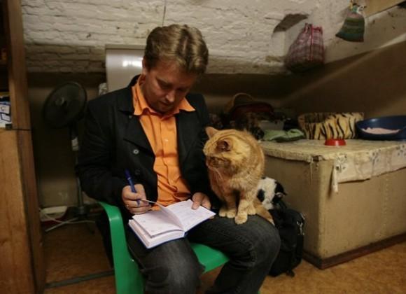 """СПБ, Эрмитаж, общения с котом Ренни в процессе подготовки репортажа """"Мяу особого назначения"""""""