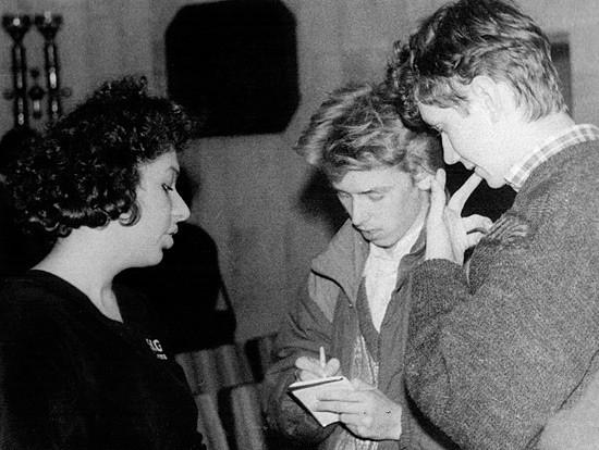 Митричу 16. 1991 год, Первый всероссийский фестиваль поэзии. Слева поэтесса Полина Барскова, справа - поэт Алексей Мананников.