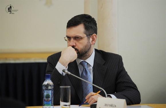 Владимир Легойда: Когда вас на улице грабят, вы идете в полицию, а не пишете в блоге