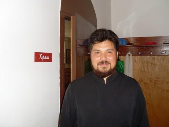 Священник Роман Павлишов