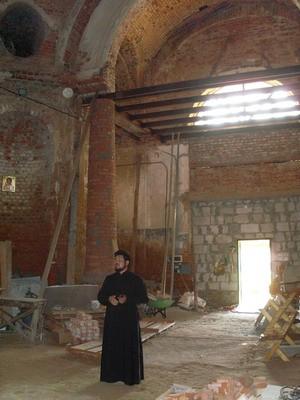 Отец Роман в Казанском храме