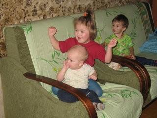 Катя Балабанова с братьями