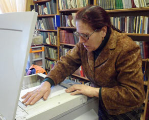 Научный сотрудник местного музея Клавдия Ивановна Дунаева