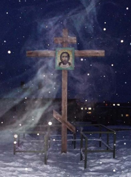 Крест на месте постройки будущего храма