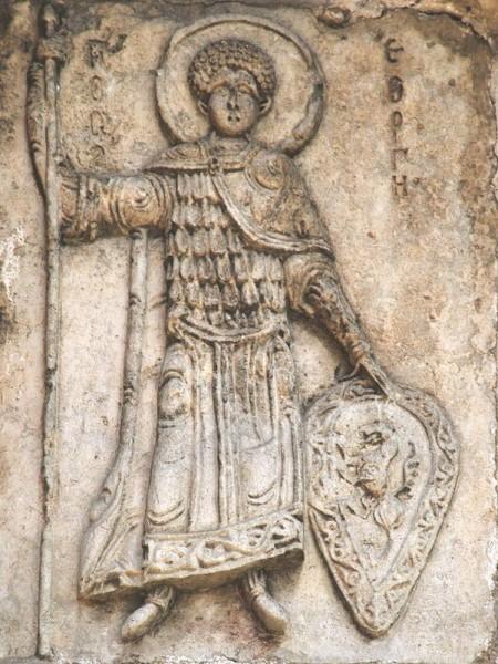 Св. Георгий. Рельеф портала Георгиевского собора в Юрьеве-Польском. 1234 г.