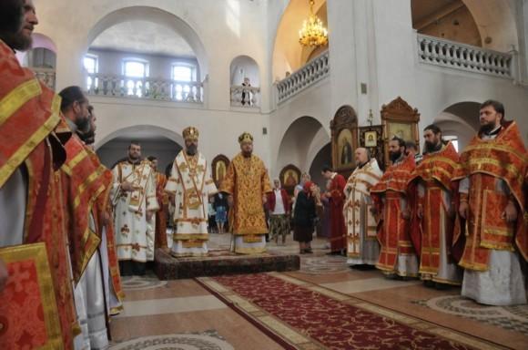 Литургия в Свято-Георгиевском соборе г. Макеевки