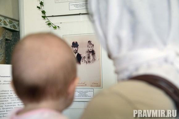Белый цветок в Марфо-Мариинской обители. Фото Ксении Прониной (38)