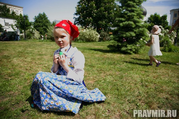 Белый цветок в Марфо-Мариинской обители. Фото Ксении Прониной (44)
