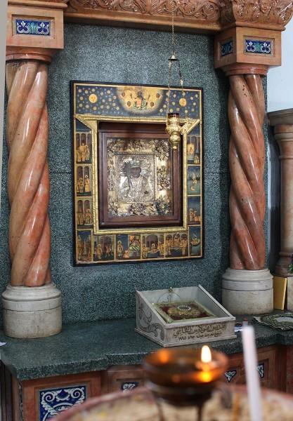 Икона и ковчег с мощами свт. Николая, Бейт-Джала