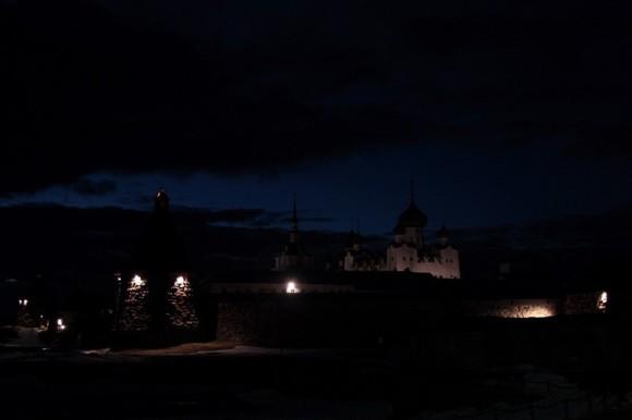 Монастырь ночью